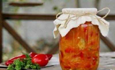 Зимний салат с огурцами и помидорами