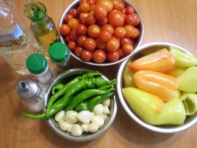 Ингредиенты для аджики из томатов с перцем
